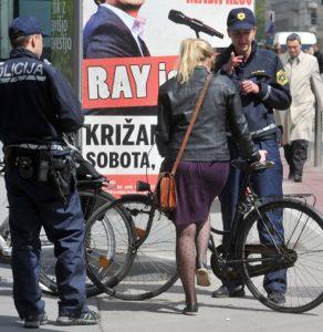 Napotki: policijske kontrole kolesarjev