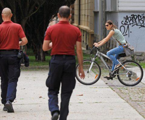 Je Mestni park zaprt za kolesarje?