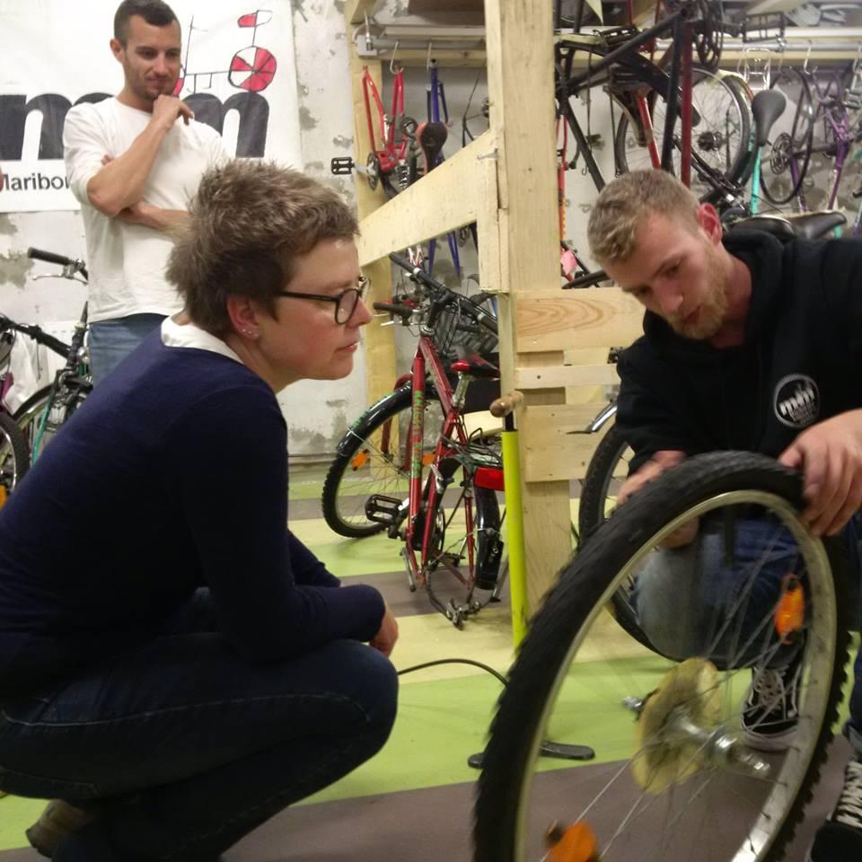 Samopopravljalnica koles v septembru